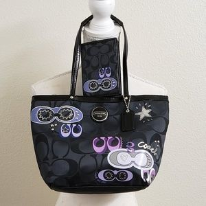 COACH - Black Canvas Signature Applique' Tote Set